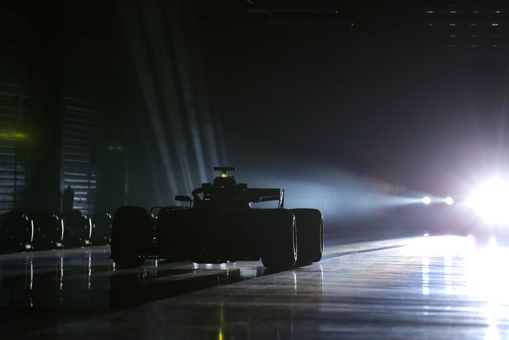 Mercedes F1, Bratches
