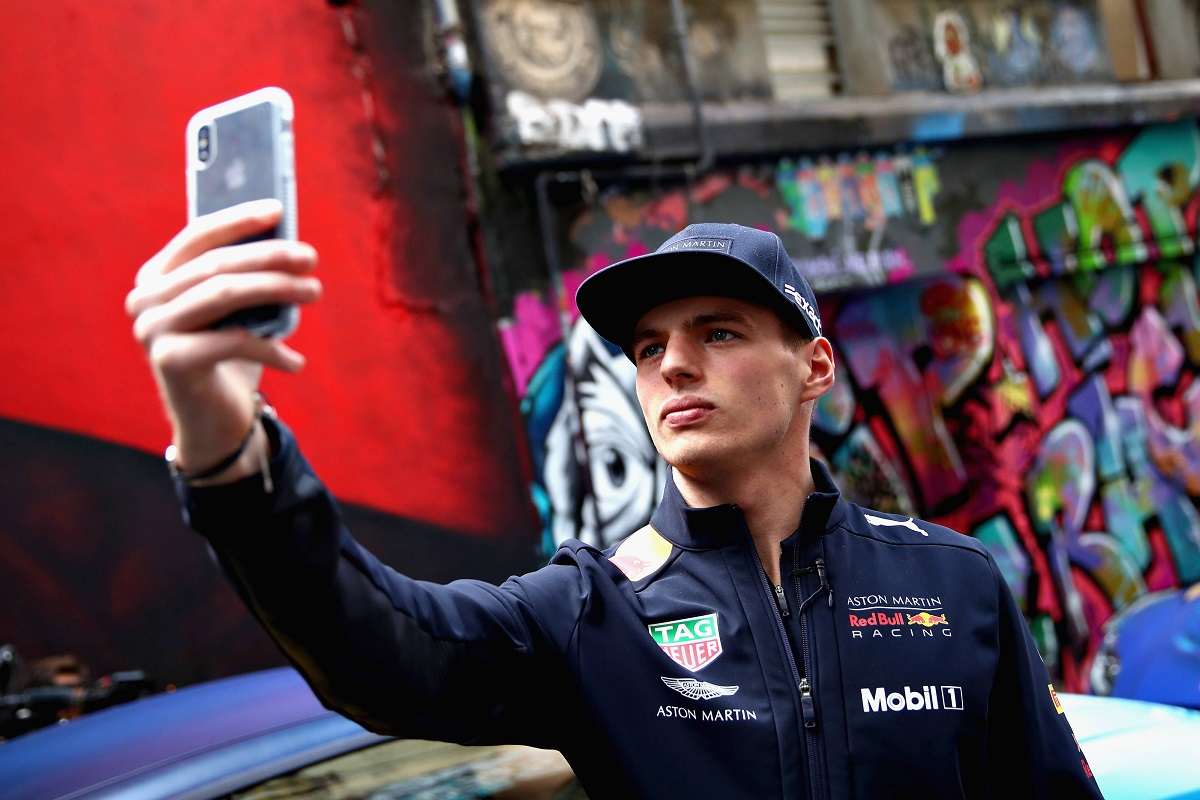 Max Verstappen, mobil, mobile, phone, telefon, alkalmazás, selfie