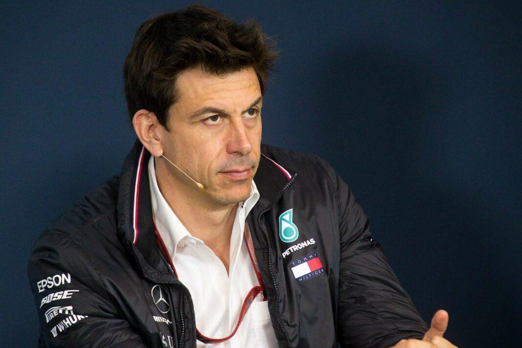 Toto Wolff, Mercedes, Racingline
