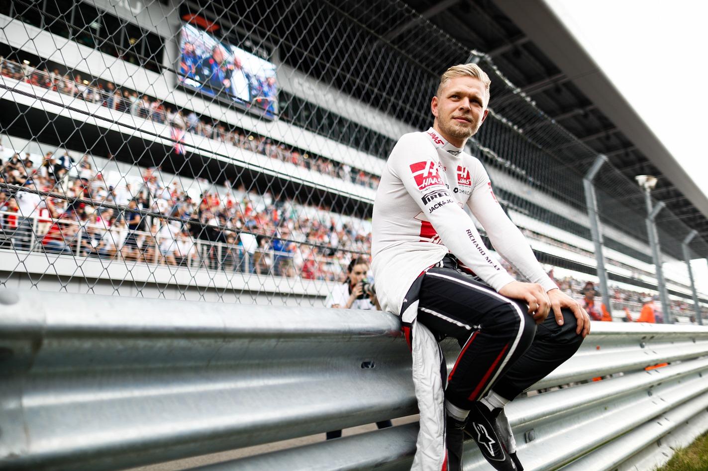 Magnussen, Haas, Racingline