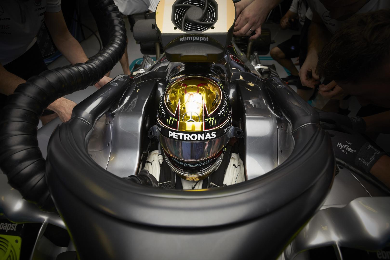 Lewis Hamilton, , racingline, racinglinehu, racingline.hu