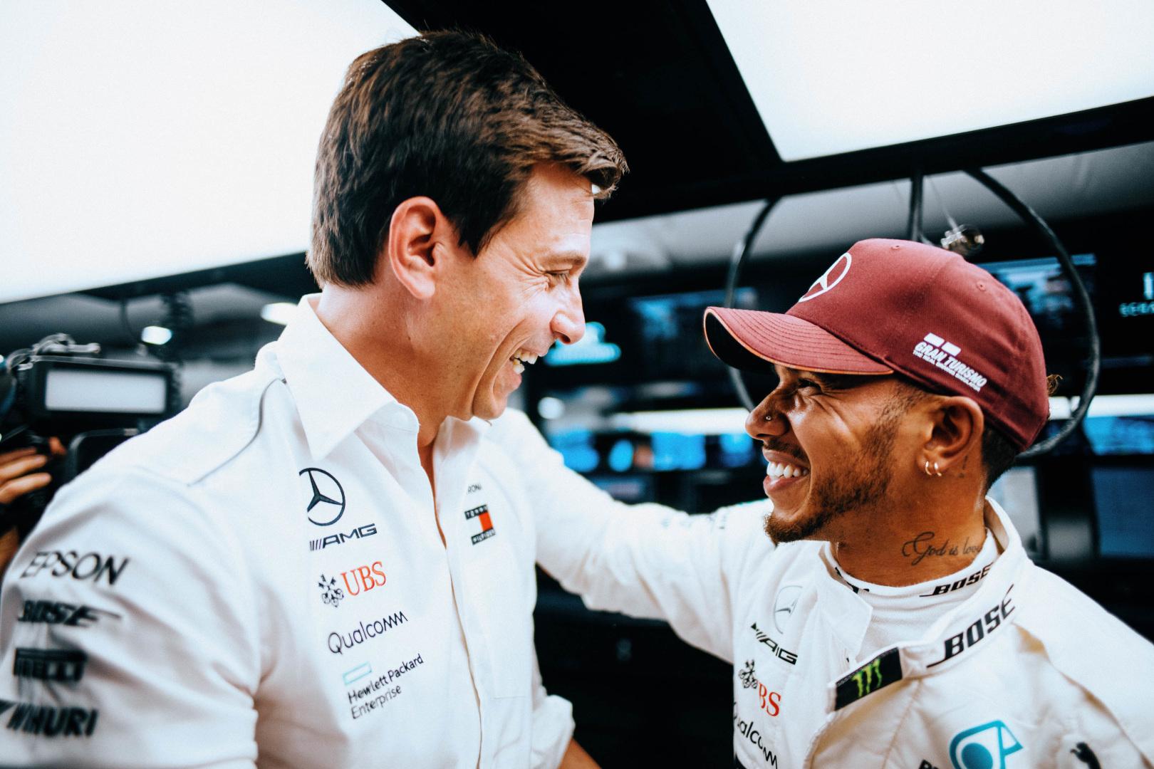Wolff, Hamilton, Racingline