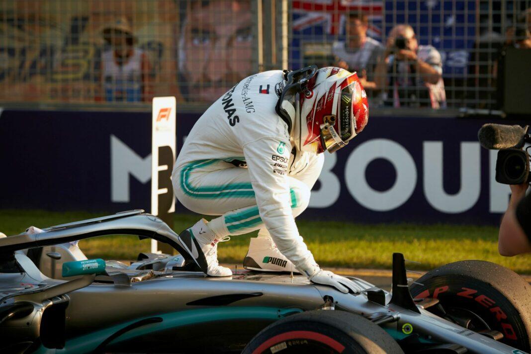 Lewis Hamilton, Mercedes, racingline, racinglinehu, racinglilne.hu