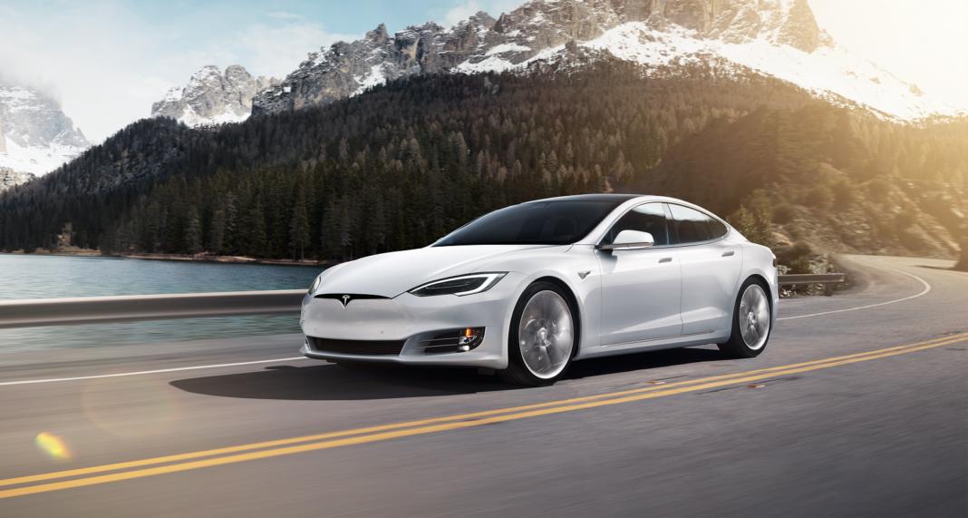 Tesla Model S racingline, racingilnehu, racingline.hu