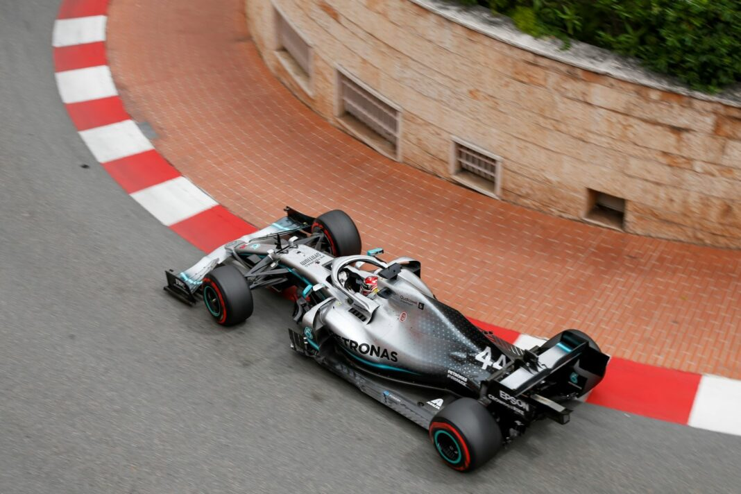 Lewis Hamilton, Mercedes,pirelli racingline, racinglinehu, racingline.hu
