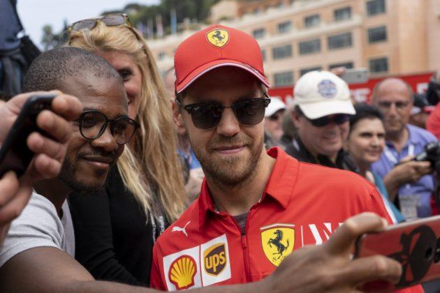 Sebastian Vettel, fans, selfie