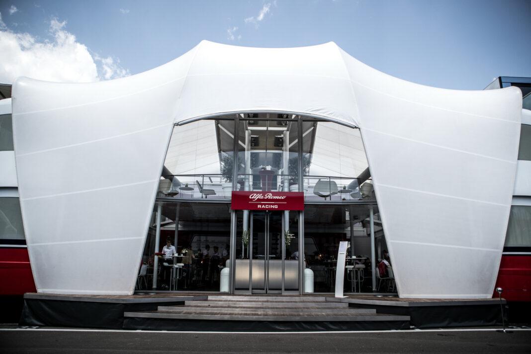 Alfa Romeo Racing, paddock