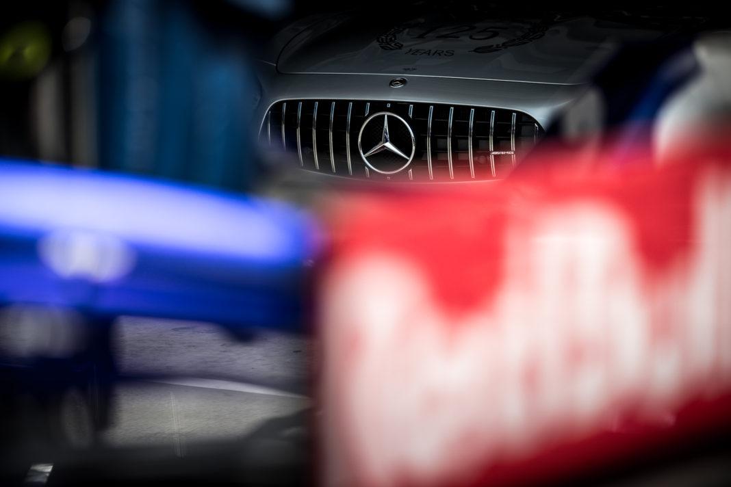 Mercedes, puzzle