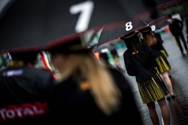 Blancpain GT gridgirl, eső, rain