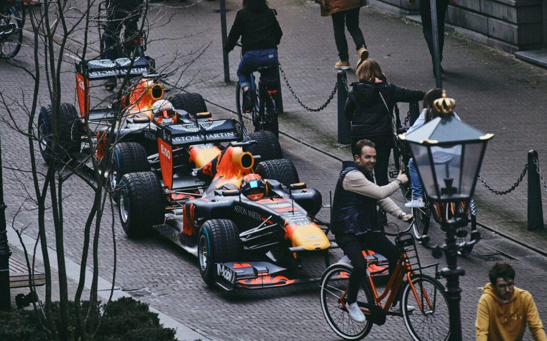 Max Verstappen, Alexander Albon, red bull, racingline.hu