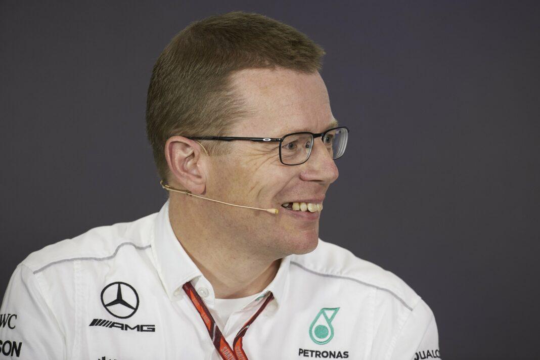 Andy Cowell, Mercedes, racingline